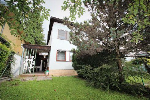 Veľký rodinný dom v lukratívnej časti Žiliny s pekným pozemkom
