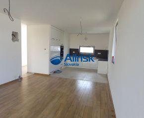 Rezervovaný! Pekná novostavba 3 izbového rodinného domu, Galanta-Richtárske pole