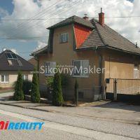 Rodinný dom, Brezolupy, 1080 m², Čiastočná rekonštrukcia