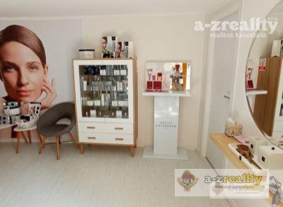 Ponúkame na predaj komerčný priestor v Komárne