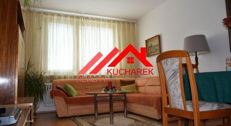 Kuchárek-real: Ponúka 2 izbový byt Bratislava-Dúbravka, Hanulova ul.