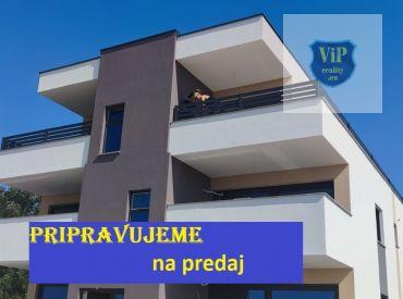 Apartmán s výhľadom na more,70 m2, terasa , prvá rada pri mori - Chorvátsko - Vir