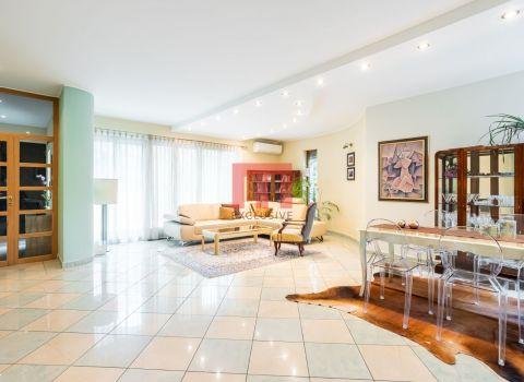 Na predaj priestranný 7 izbový rodinný dom na Drotárskej ulici na Hradnom kopci
