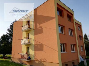 Priestranný 4-izbový byt na predaj - Demänová - Liptovský Mikuláš