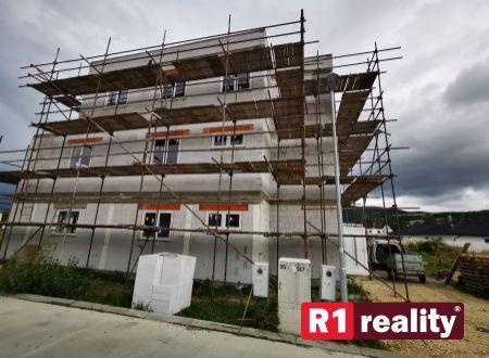 Nový 4 izbový byt E, 114,15 m2+ terasa, parking, SPA REZIDENCE, Banka, okr. Piešťany