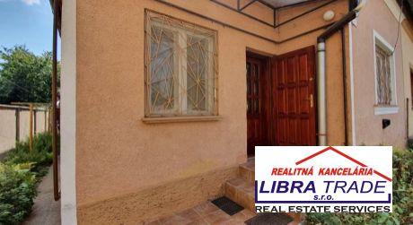 ŠTÚROVO - ponúkame na predaj rodinný dom za cenu bytu.