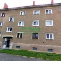 2 izbový byt, Nové Mesto nad Váhom, 64 m², Pôvodný stav