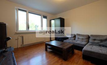 3-izb. byt s loggiou na predaj Bratislava Petržalka - Hrobákova ul.