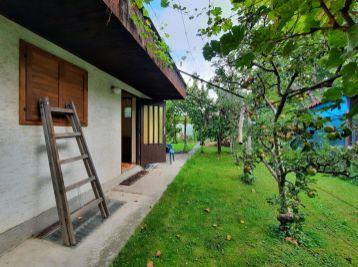REZERVOVANÁ - Predaj murovanej chatky so záhradou, o rozlohe 322 m2, Šamorín