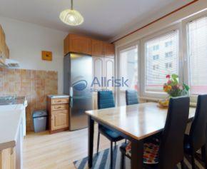 Rezervované,2 izbový byt predaj,DUBOVÁ,LOGGIA,62,5 m2
