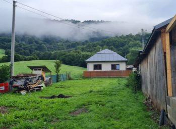 NP Poloniny. Na predaj starší rodinný dom so začatou rekonštrukciou v obci Kolbasov (N053-12-JOHA)