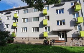 Na predaj 2-izbový byt s vlastným vykurovaním v meste Nemšová.