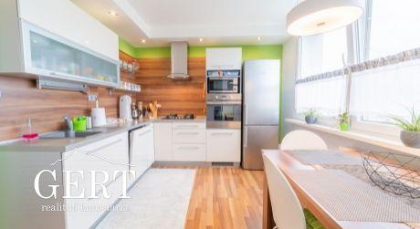 REZERVOVANÉ - Slnečný 2-izbový byt, kompletne zariadený, Liptovský Mikuláš
