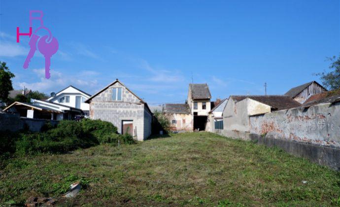 Pozemok na výstavbu rodinného domu v Trenčianskej Teplej na predaj