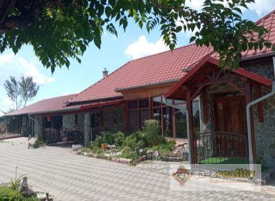 Ponúkame na predaj veľký dom v Marcelovej