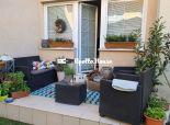 Senec: dvojizbový byt + záhradka 30 m2