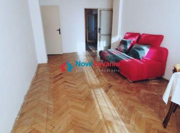 REZERVOVANÉ! 3 izbový byt v pôvodnom stave v centre Humenného (N159-113-MIMa)