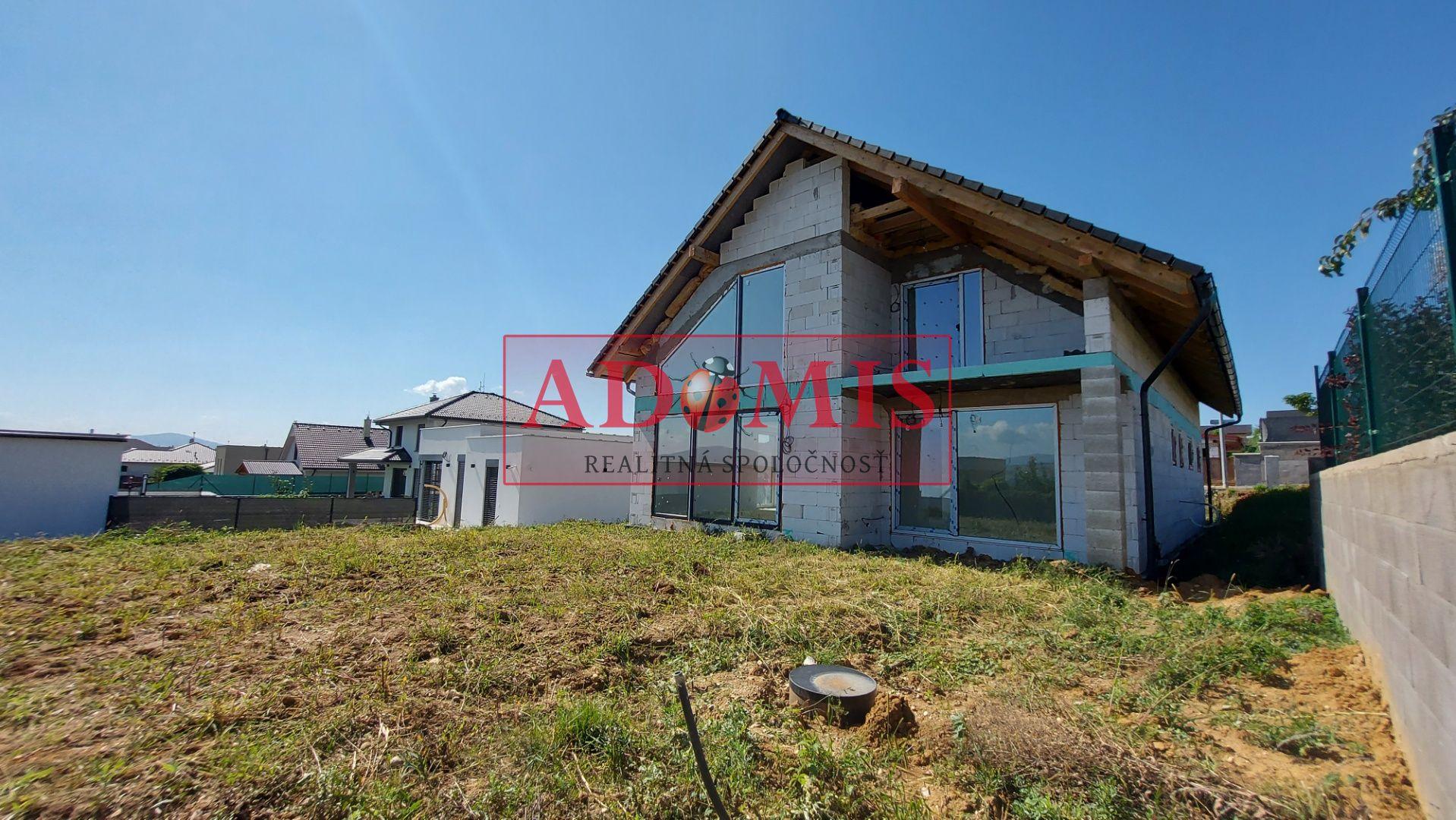 ADOMIS - Predám 6,5-izbový 2-podlažný dom, 745m2,kompletne dokončený,Vínna ulica, Košice - Krásna, NOVOSTAVBA