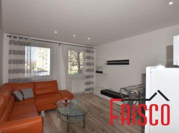 Prenajmeme 2-izbový kompletne prerobený byt v Seredi