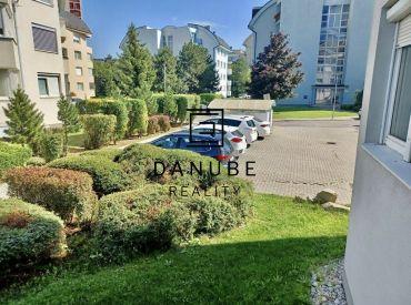 Predaj slnečný 4 izbový byt Bratislava-Staré Mesto, Drotárska cesta.
