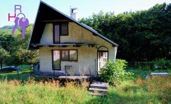 Rekreačný rozostavaný dom s bazénom v Mníchovej Lehote na predaj