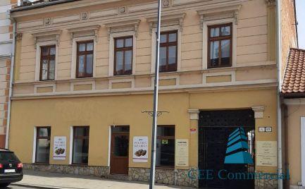 Zrekonštruovaná budova v centre mesta, Vajanského ul.