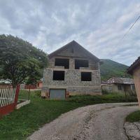 Rodinný dom, Hrhov, 100 m², Vo výstavbe