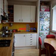 Predaj 4 izb. bytu na Gallayovej ul. Bratislava - Dúbravka, nepriechodné izby