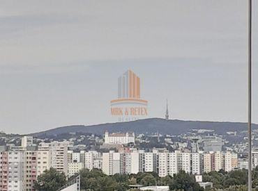 Kompletne zariadený 3 izbový byt s krásnymi výhľadmi v prípade záujmu aj jednotlivo po izbách na ulici Topoľčianska