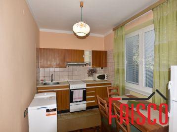 Prenajmeme zariadený 2-izbový byt v Seredi