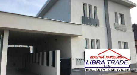 PREDAJ - Kompletne prerobený luxusný 5 izbový rodinný dom na Leteckom poli v Komárne