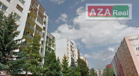 REZERVOVANÉPriestranný 1 izbový byt s 2 balkónmi v Poprade je na predaj