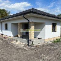 Rodinný dom, Malé Dvorníky, 67 m², Vo výstavbe