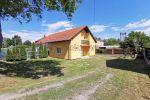 Rodinný dom v Kvetoslavove v blízkosti vlakovej stanice a R7