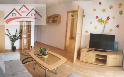 (REZERVOVANÉ) DMPD Real ponúka 1-izbový zariadený byt v Bojniciach