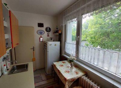 Čiastočne zrekonštruovaný 2-izbový byt vo výbornej lokalite Ružinova
