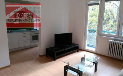 Ponúkame na prenájom slnečný 2-izbový byt s balkónom v blízkosti Štrkoveckého jazera - Medzilaborecká ulica.
