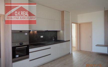 Ponúkame na prenájom 3 izbový byt v novostavbe s parkovaním na ulici Kresánkova, Dlhé Diely