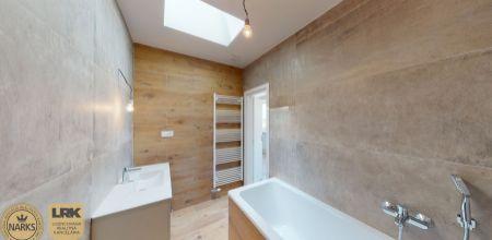 Na predaj 3 izbový byt v novostavbe s úžitkovou plochou 87,58 m2 v tehlovom polyfunkčnom objekte s podielom na záhrade a parkovacím státím.