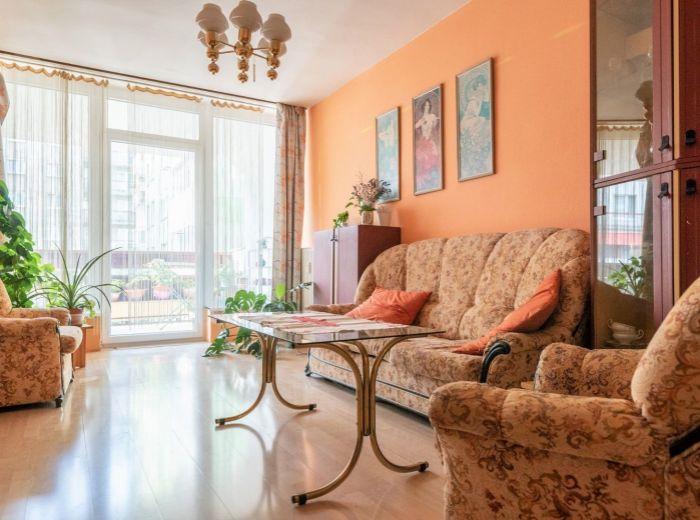 ČESKÁ, 3-i byt, 96 m2 - 2x LOGGIA, kompletná občianska vybavenosť, OC CENTRAL, skvelé spojenie MHD