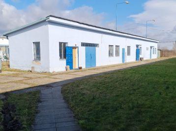 Prevádzkovo - skladový objekt vo Vajnoroch