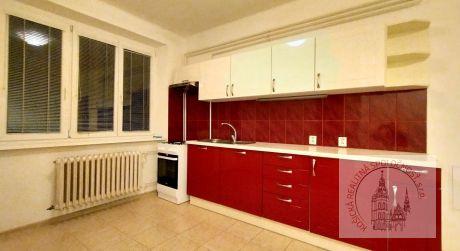 Tehlový útulný 2 a pol izbový byt blízko centra , Košice (100/21)