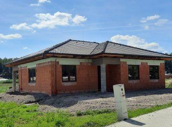 Predaj 4 izb. rodinného domu, typu Bungalov na 787 m2 oplotenom pozemku, Florida park DS