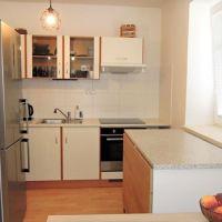 2 izbový byt, Bratislava-Podunajské Biskupice, 39 m², Čiastočná rekonštrukcia