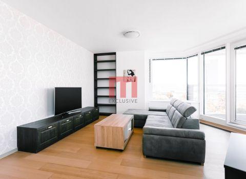 Na prenájom zariadený 3 izbový byt v novostavbe PANORAMA CITY s dvomi garážovými státiami