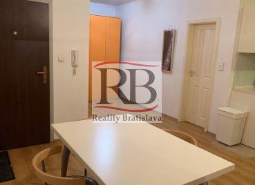 Na prenájom 2-izbový byt v novostavbe na Šustekovej ulici v Petržalke