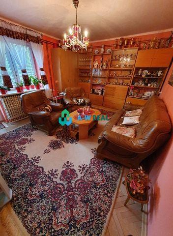 Pekný, komfortný 3-izbový byt na predaj v Dunahskej Strede s garážou, dvorom aj so záhradkou!!! Byt voľný od: MARECl/2022!!! Cena 99 000 €