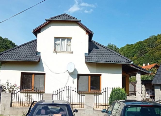 Rodinný dom - Sklené Teplice - Fotografia 1
