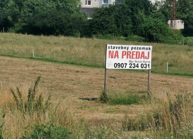 pre rodinné domy - Lučenec - Fotografia 1
