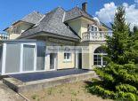 REALITY GOLD – Bratislava s.r.o.  ponúka na predaj rodinný dom 8 izbový  s vnútorným  bazénom v peknom prostredí  v Ivanke pri Dunaji  vhodný na bývanie  aj  podnikanie.